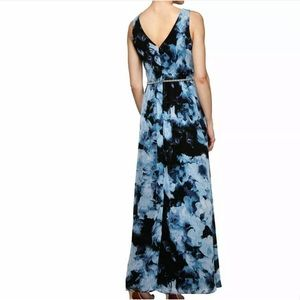 SLNY Dresses - SLNY Surplice Floral Ball Gown